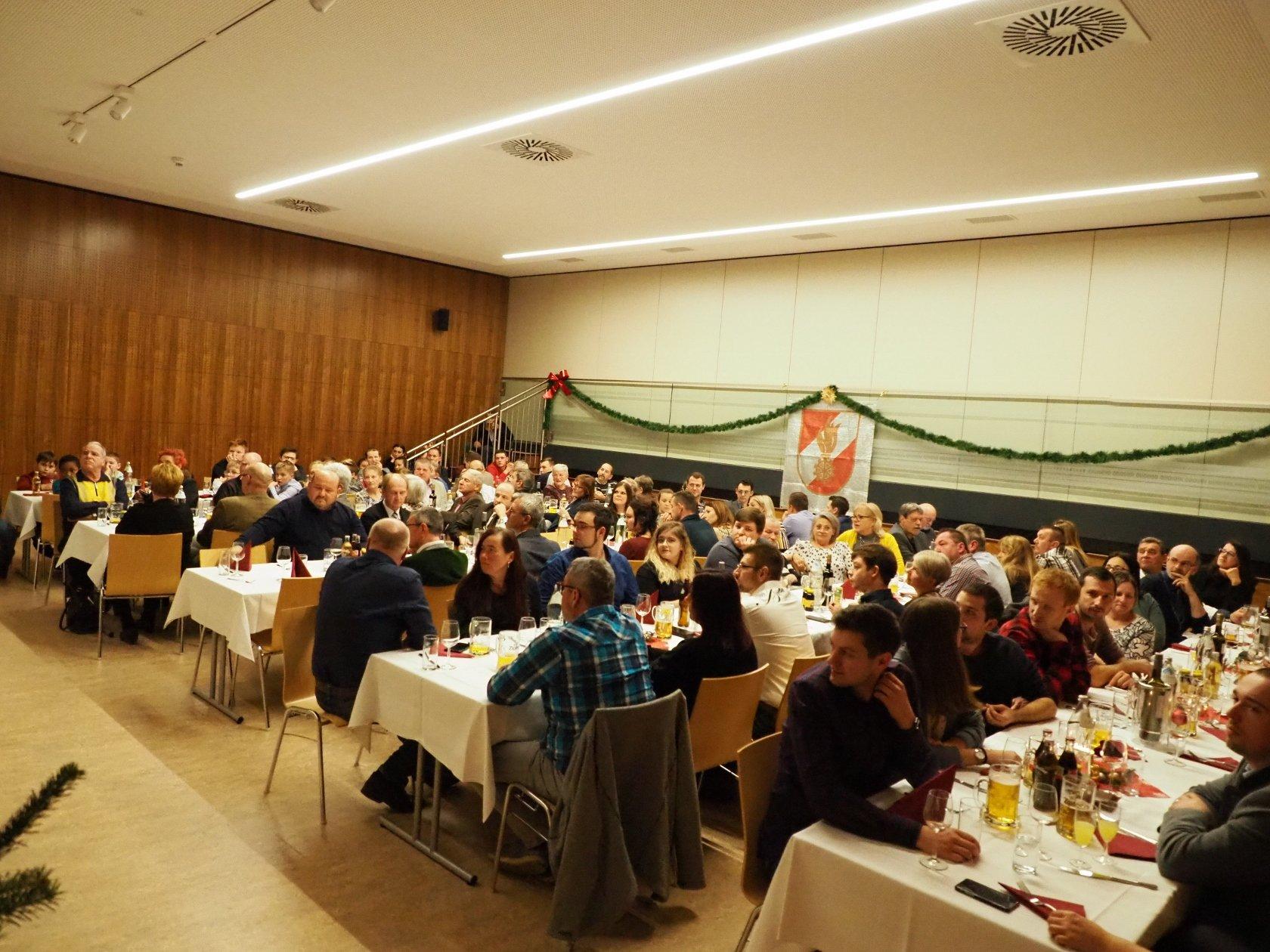weihnachtsfeier 28 1680x1260 - Brandmeldealarm St. Klara Heim