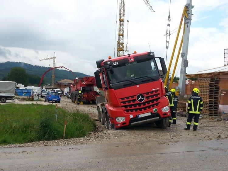 kranaurach250520 10 750x563 - Traktorbergung Pfaffing